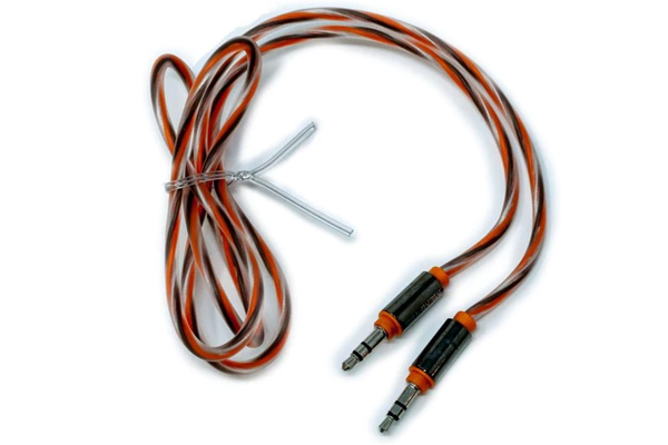 UTPF-353 / 3 ft. 3.5mm to 3.5mm Interconnect